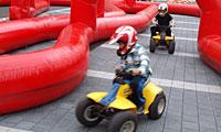 Kinderquad mit aufblasbarer Fahrbahn